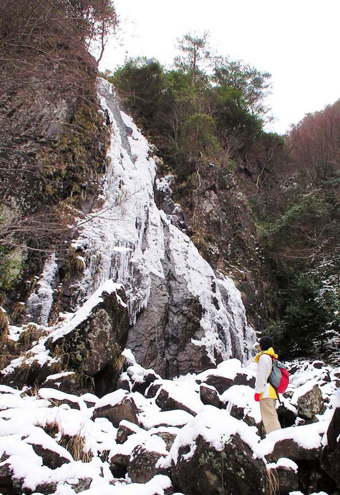 氷の滝-2